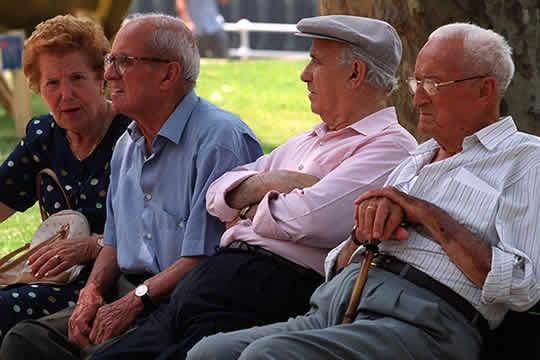 Abirmos una queja de oficio sobre maltrato y abuso a personas mayores en el ámbito doméstico