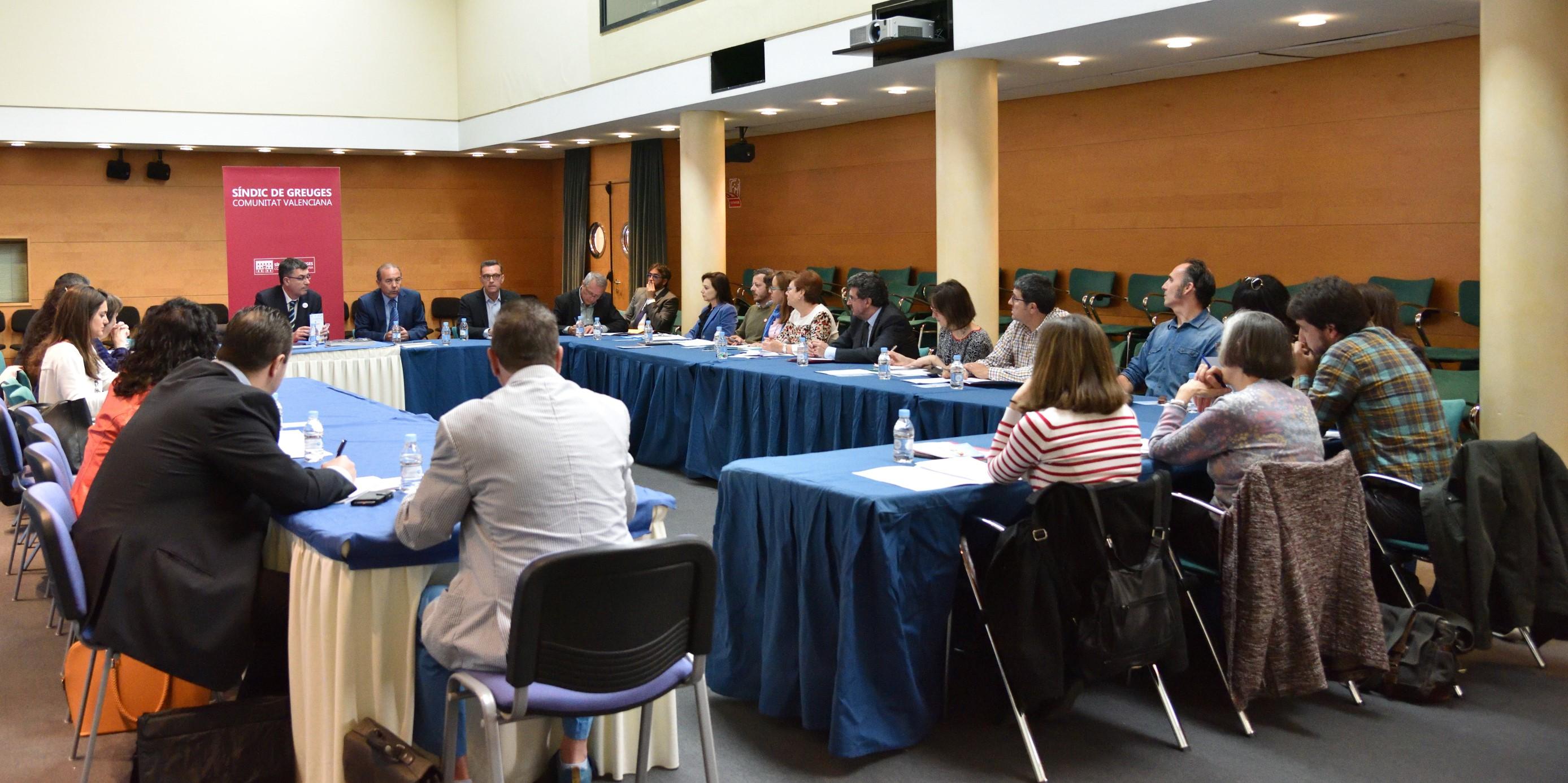 El Observatorio del Menor del Síndic reivindica una mayor coordinación entre administraciones para la protección de menores