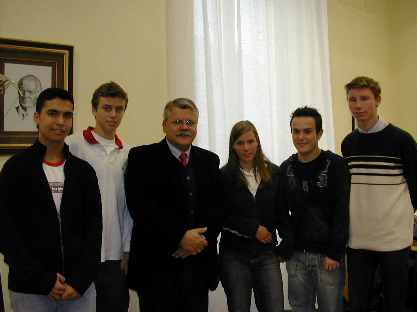 Visita de un grupo de alumnos del Colegio Jesuitas de Alicante