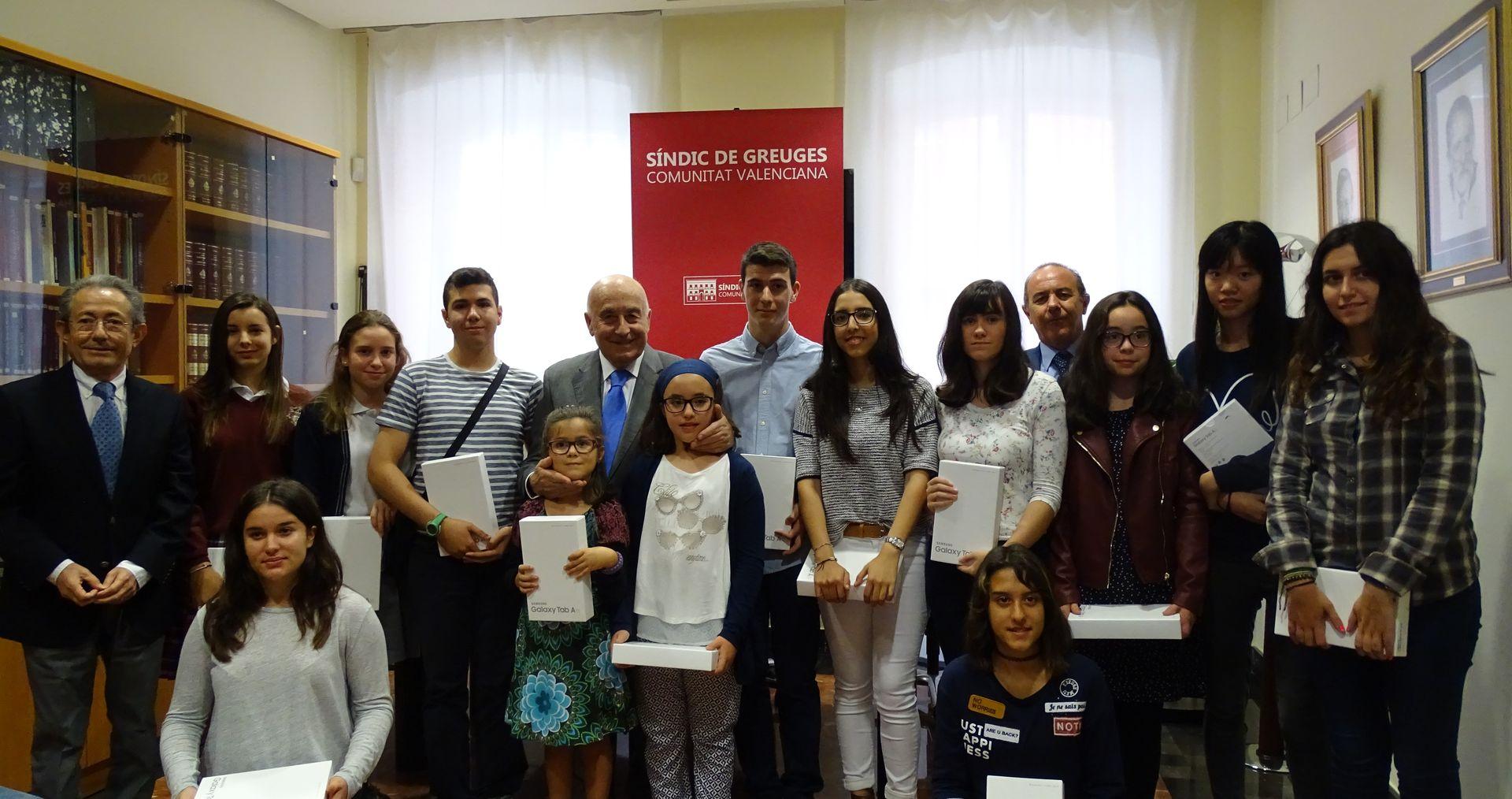 Entrega de premios de los concursos escolares Síndic de Greuges 2016