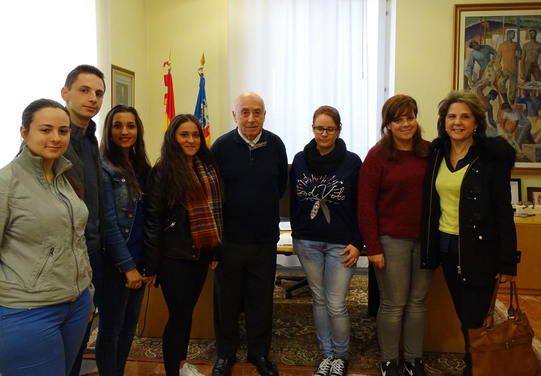 Recibimos la visita de un grupo de estudiantes del CFGM en Gestión Administrativa del IES Leonardo Da Vinci