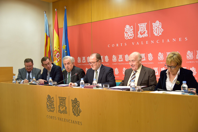 El sindic comparece en las Cortes Valencianas para defender el Informe Anual 2013