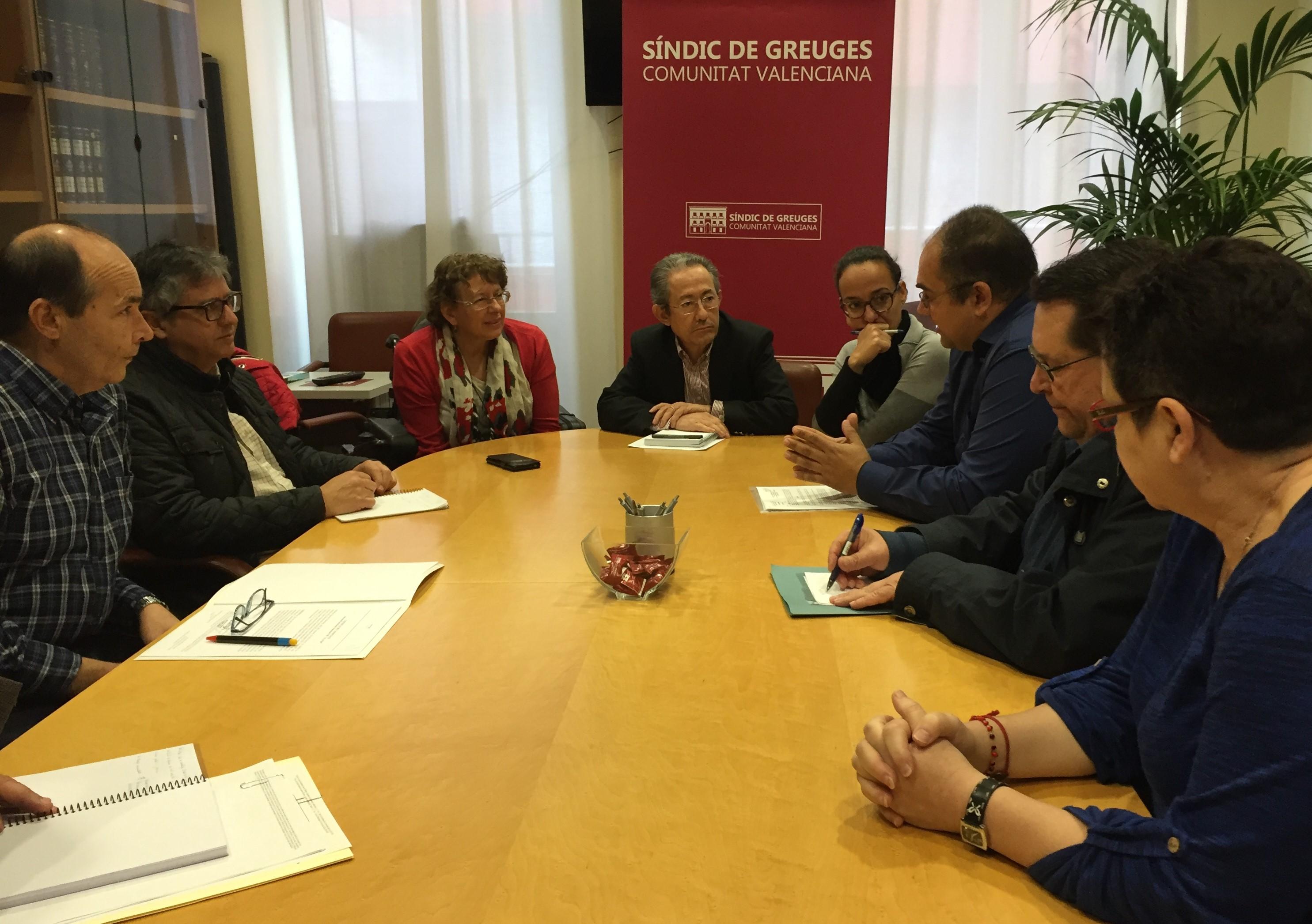 Reunión con los representantes de asociaciones usuarias del Hotel de Entidades de Alicante.