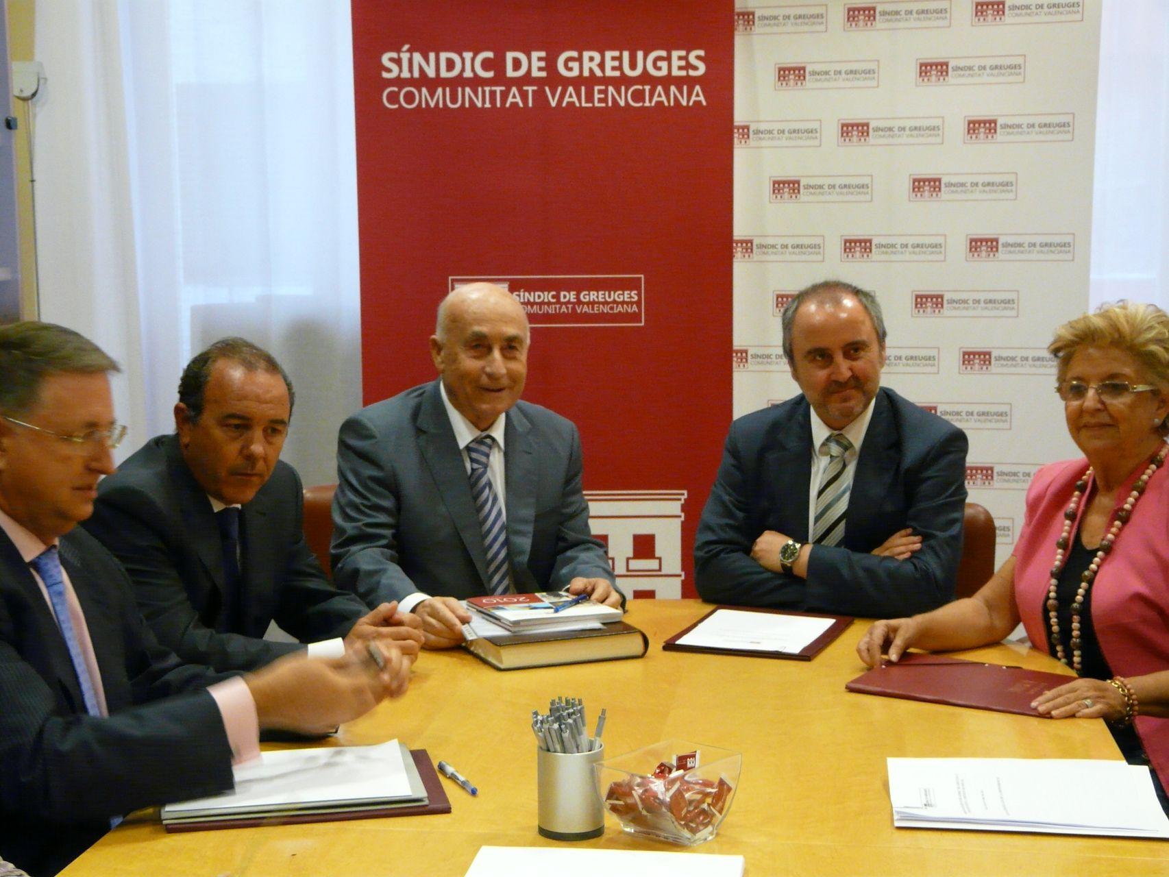 El síndic de Greuges es reunix amb el conseller de Justícia i Benestar Social