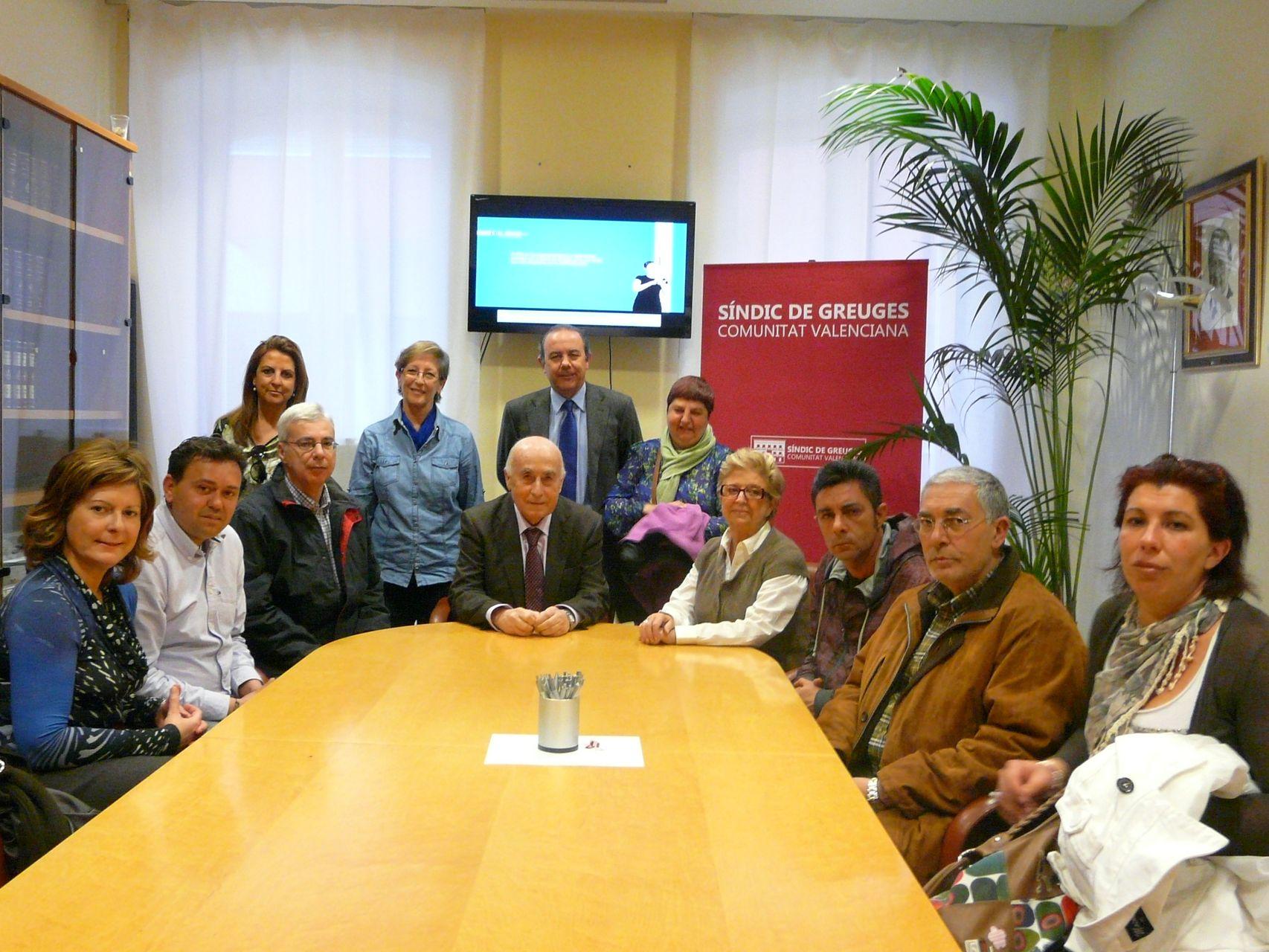 Visita de usuarios y trabajadores del Hospital de Día de Salud Mental Parque Lo Morant