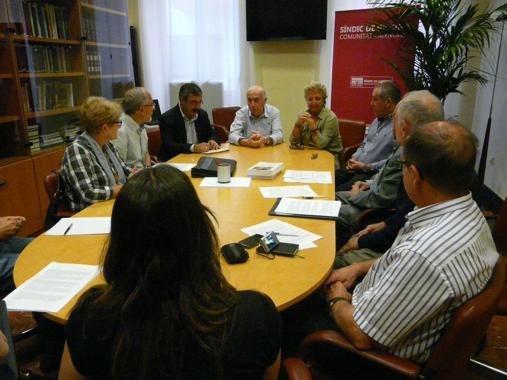 El Síndic de Greuges recibe a las Plataformas en Defensa de la Ley de Dependencia