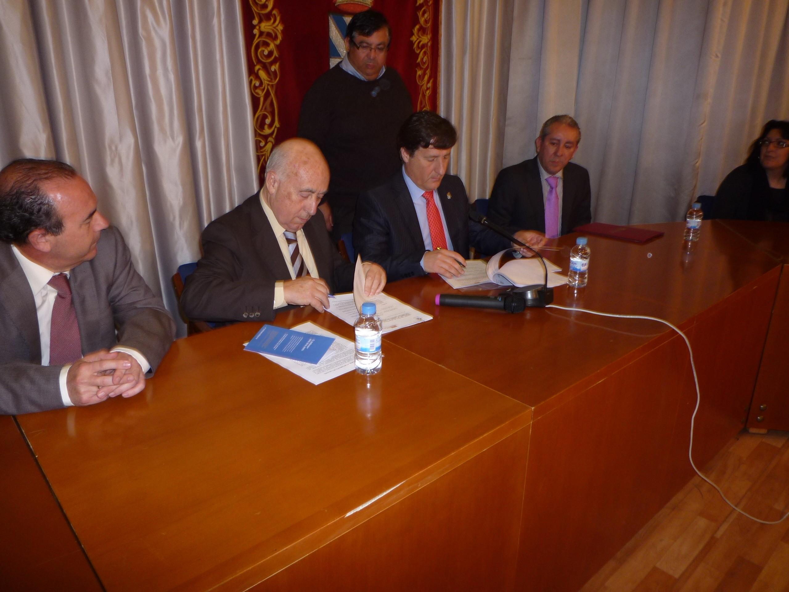 El Ayuntamiento de l'Alcora refuerza su colaboración con el Síndic de Greuges