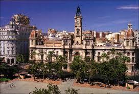 El Ayuntamiento de Valencia acepta la recomendación del Síndic del Greuges para que se instale una rampa en la pasarela del Parque Central