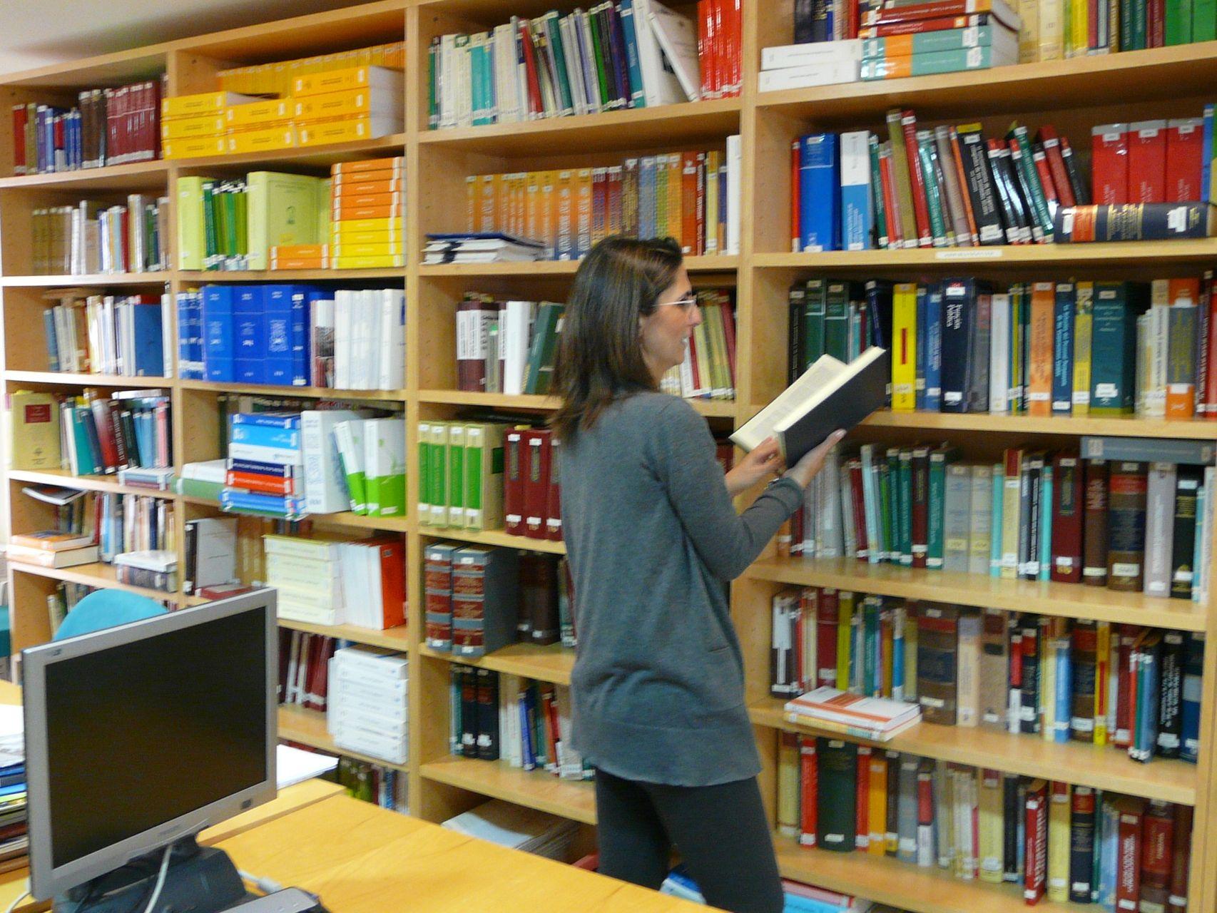 Investigación del Síndic por la supresión del horario de tarde de la única biblioteca pública de Orihuela