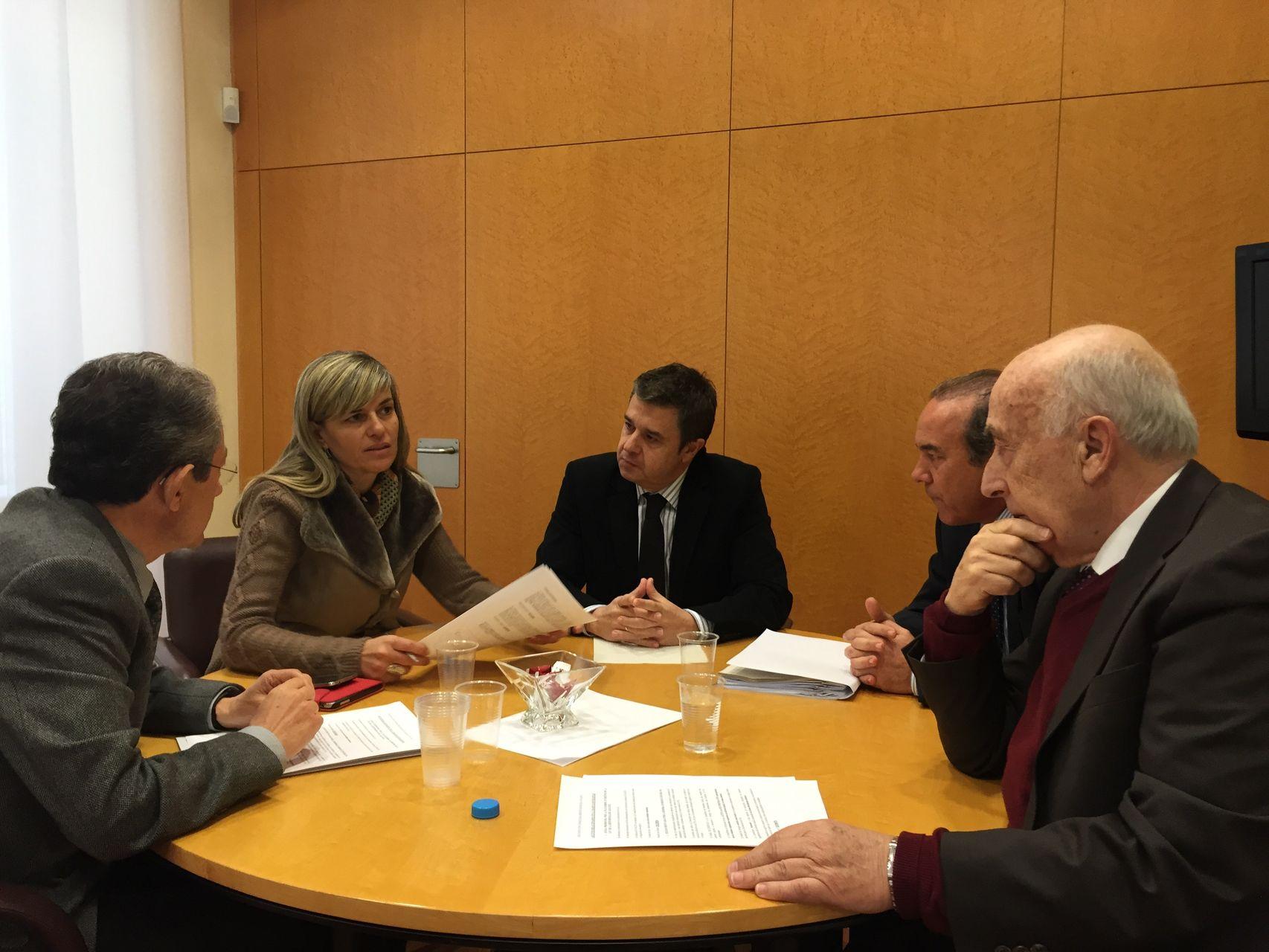 Reunión de trabajo con la consellera de Bienestar Social