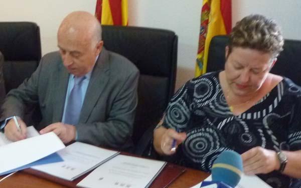 El Síndic firma convenios con Benitachell y Gata de Gorgos