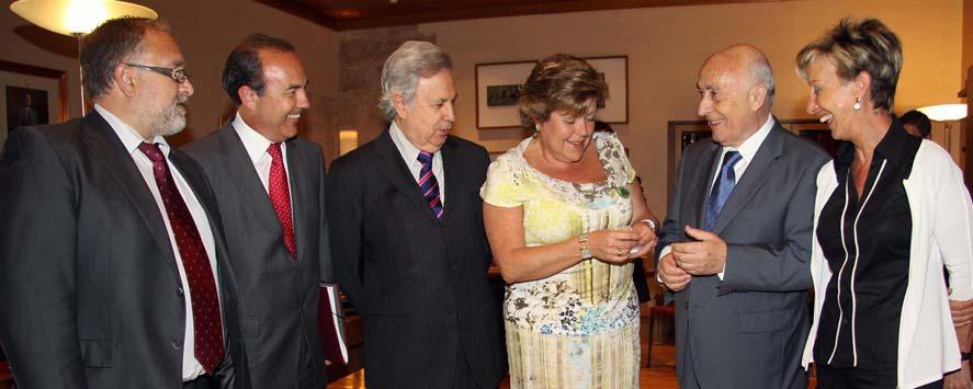 El síndic entrega su Informe Anual a la presidenta de Les Corts