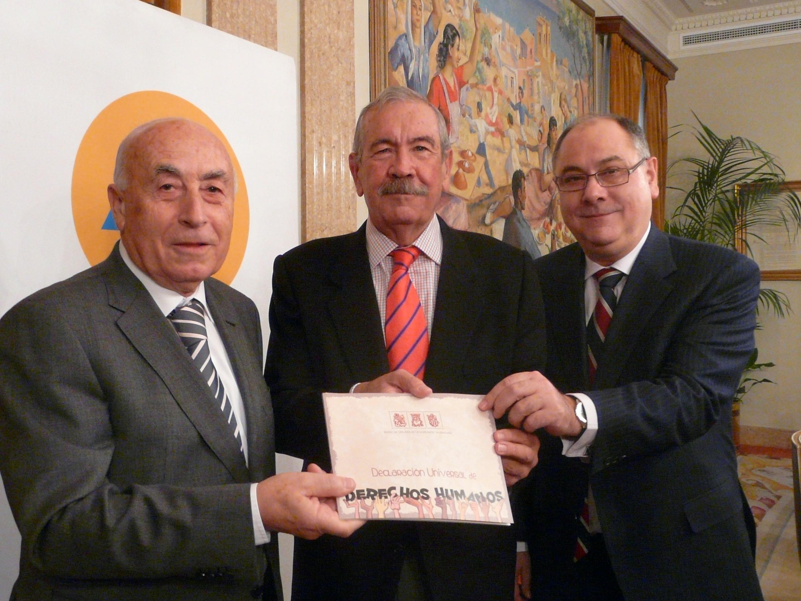 El síndic de Greuges y el presidente Territorial de la CAM presentan un libro sobre los derechos humanos