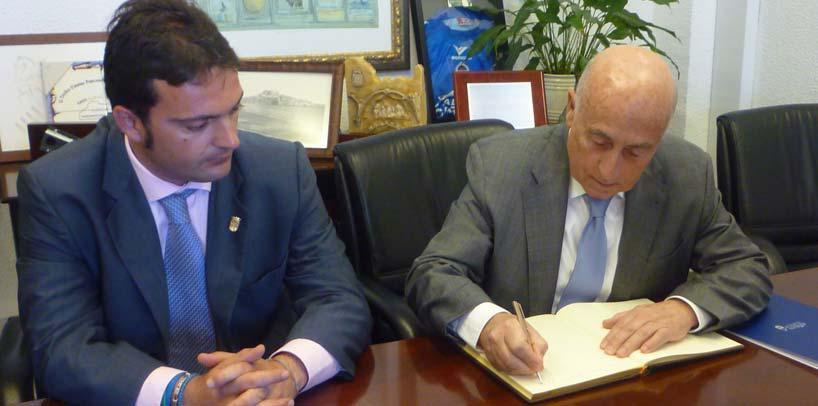 El síndic firma convenios con Peñíscola y Benicarló para mejorar la protección de los derechos