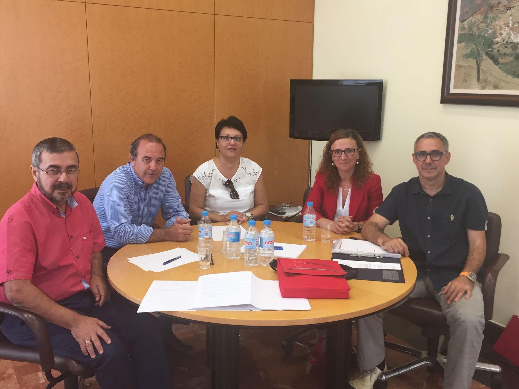 Reunión de trabajo en materia de menores con responsables de Cruz Roja