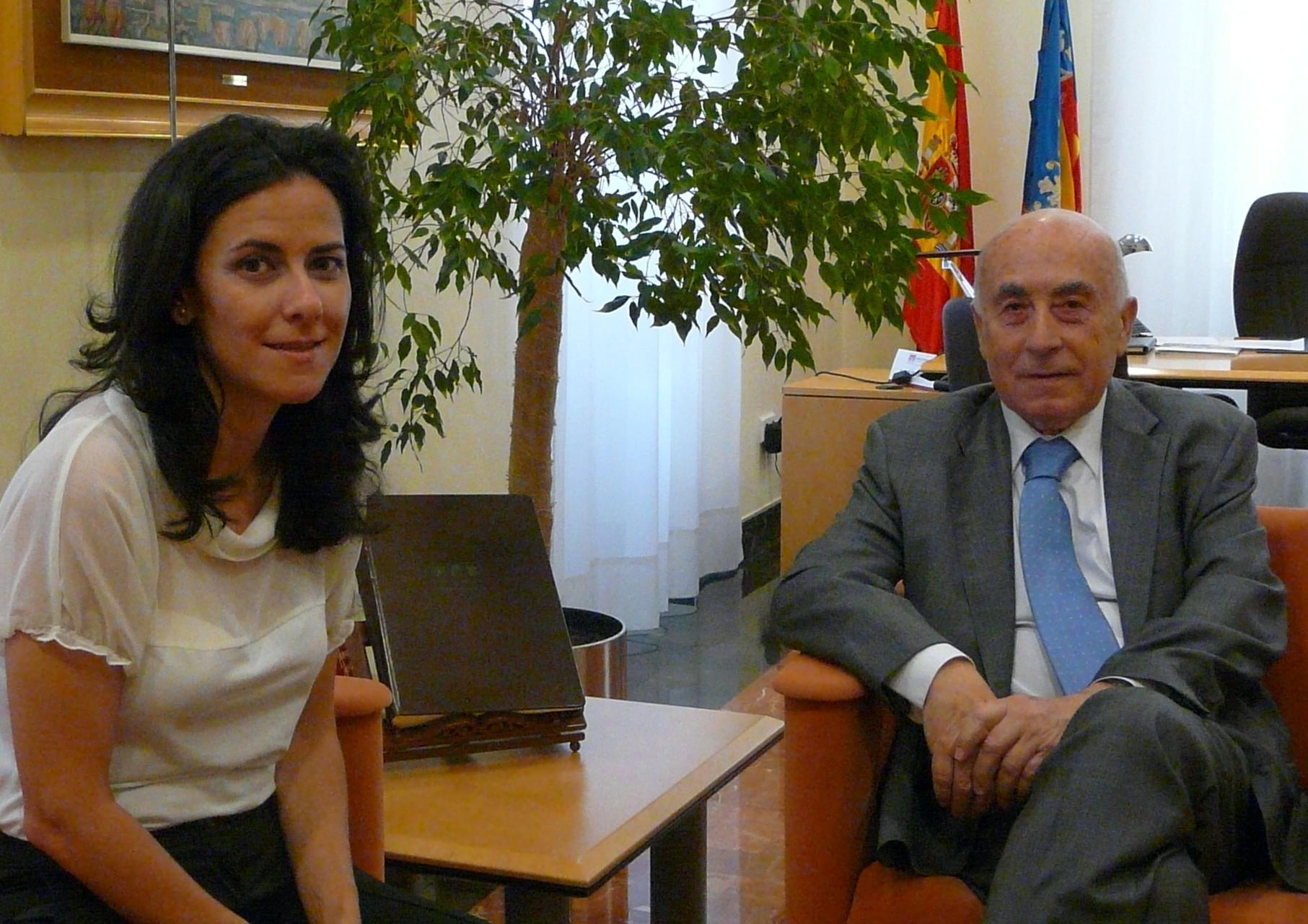Reunión del síndic con la concejala de Intermediación del Ayuntamiento de Alicante
