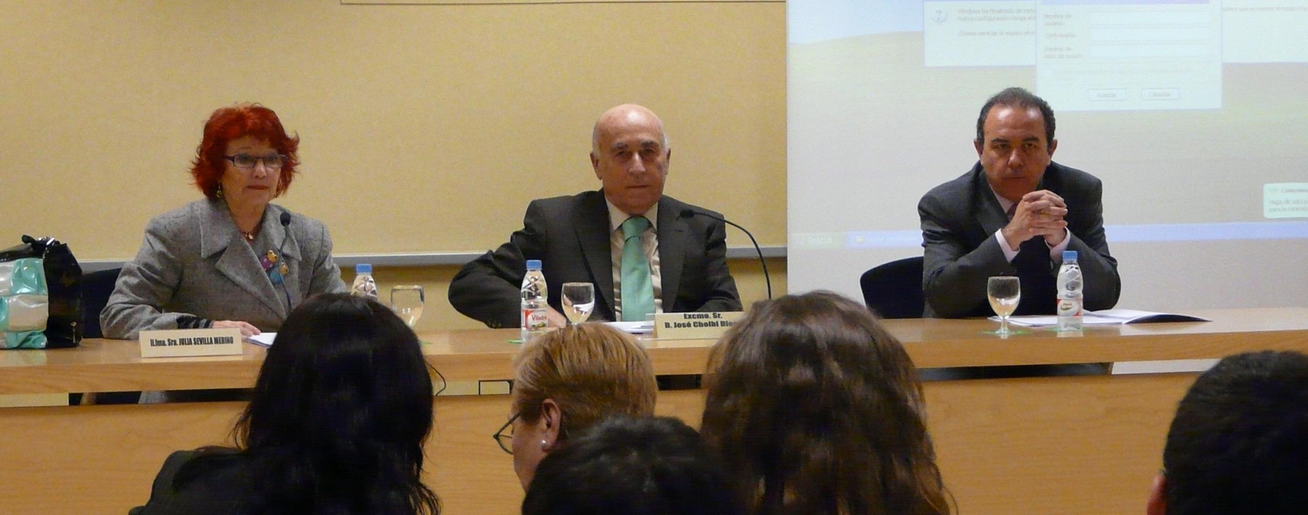 El Síndic imparte una conferencia en la Universidad de Valencia
