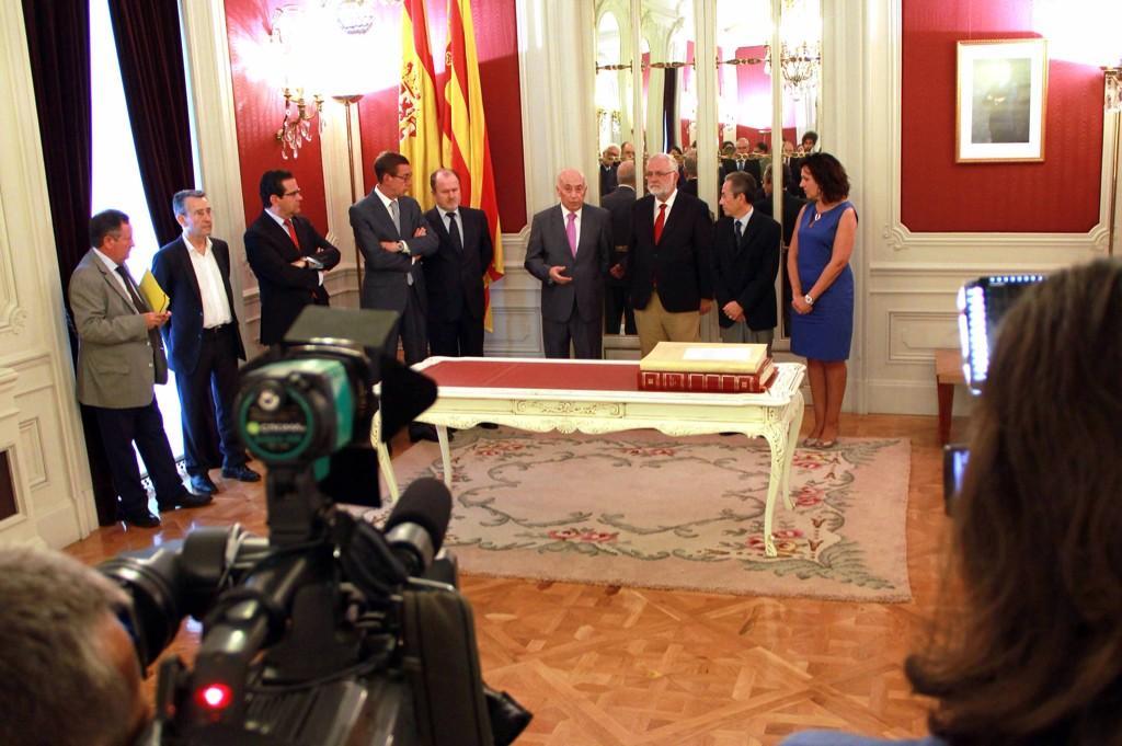 José Cholbi toma posesión como síndic de Greuges de la Comunitat Valenciana