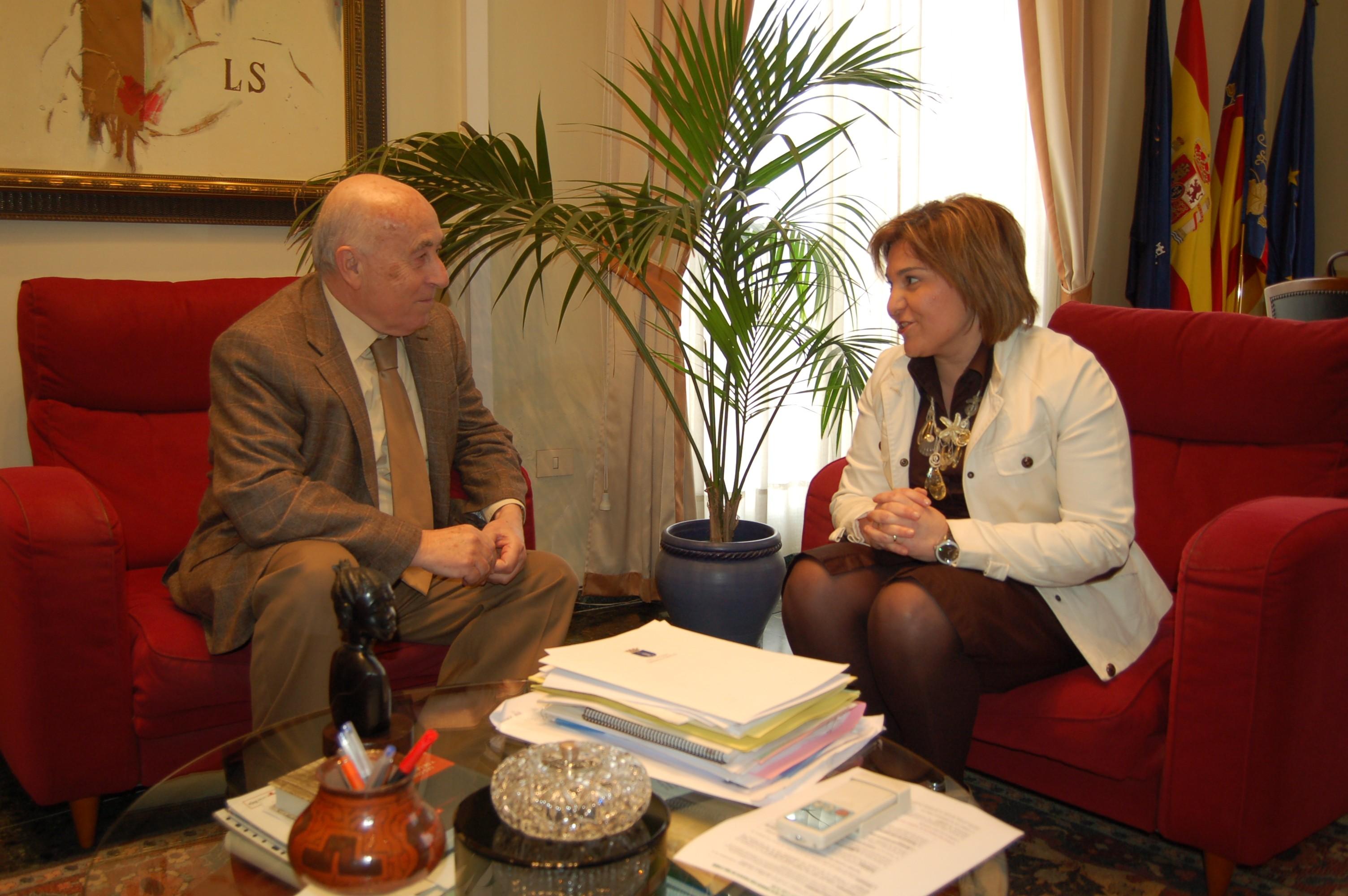 La Vall d'Uixó firma un convenio de colaboración con el Síndic de Greuges