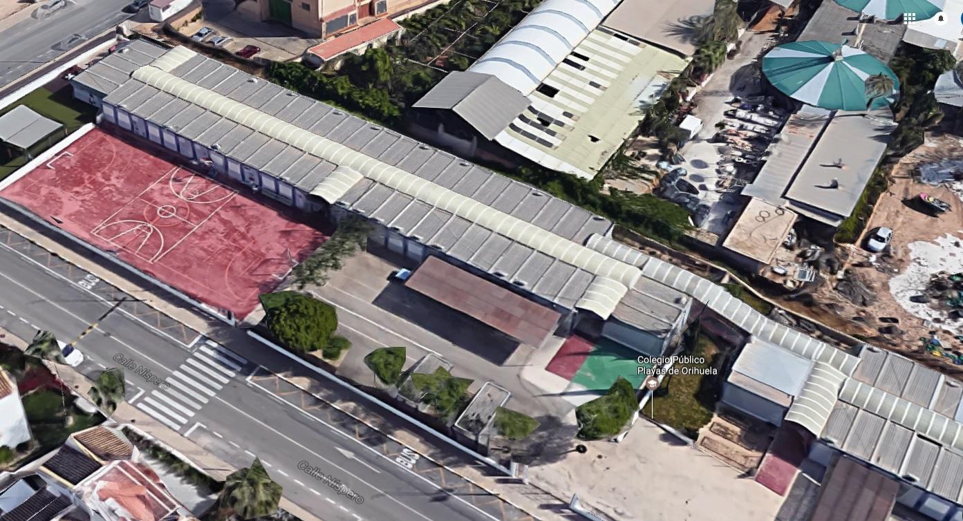 Urgimos a acondicionar los barracones del CEIP Playas de Orihuela mientras duren las obras del nuevo centro