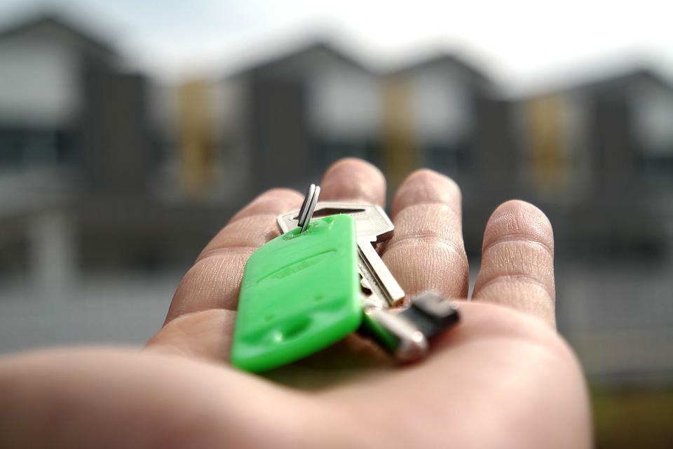 El Síndic insta a Paterna a eximir del pago de la plusvalía a una vecina que tuvo que dar su vivienda en dación de pago