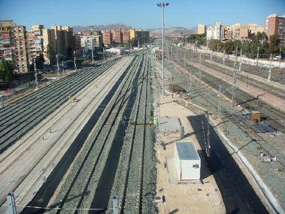 Actuación del Síndic para solucionar las molestias acústicas que siguen padeciendo los vecinos de la Estación de Renfe en Alicante