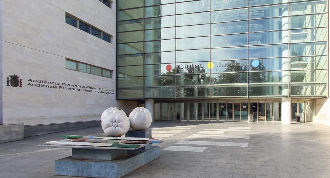 El Síndic pide medios personales y materiales para garantizar el buen funcionamiento de los juzgados de cláusulas suelo de la Comunidad Valenciana