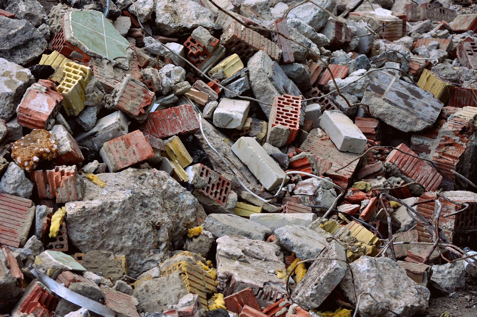 El Síndic investiga los vertederos ilegales de escombros en València